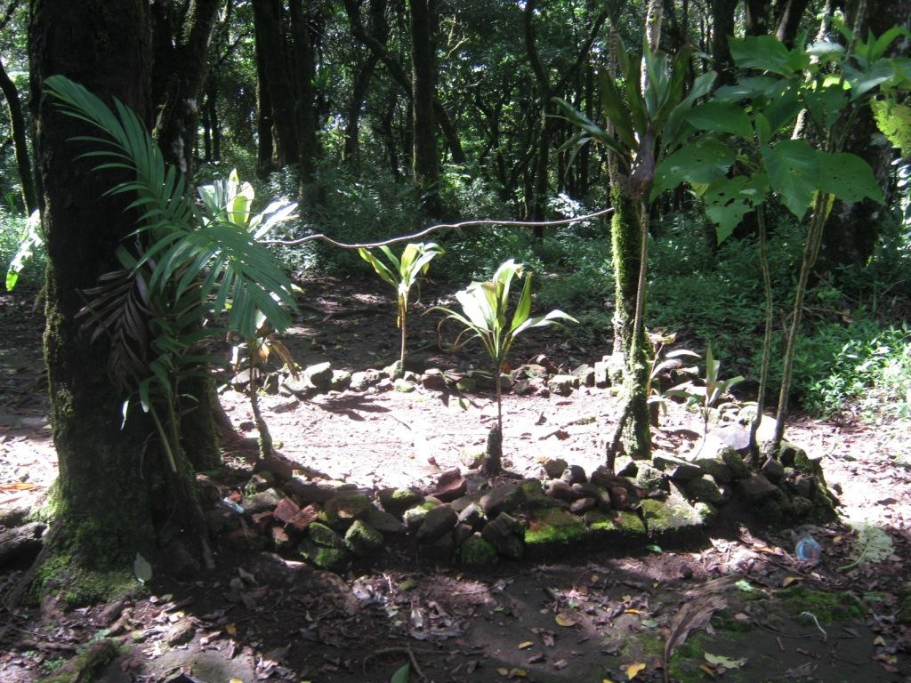 Makam Di Puncak Manglayang