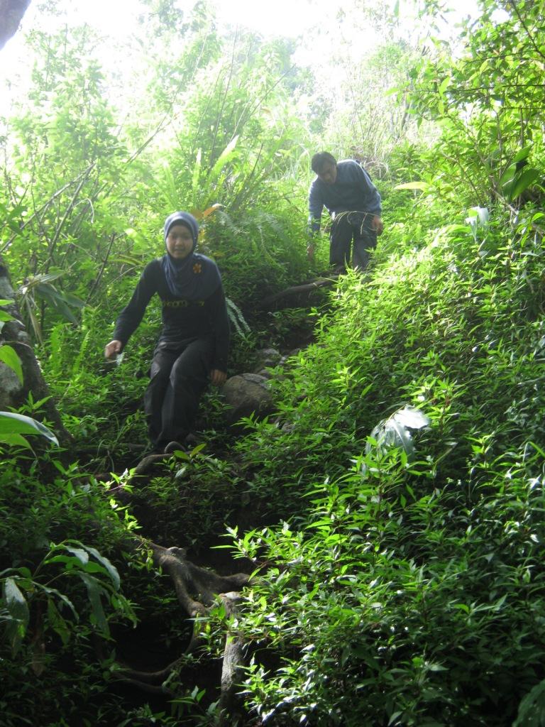 Perjalanan Turun dari Puncak Manglayang