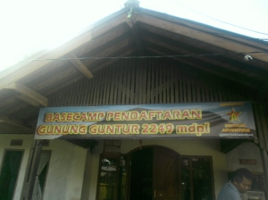 Basecamp pendakian Guntur